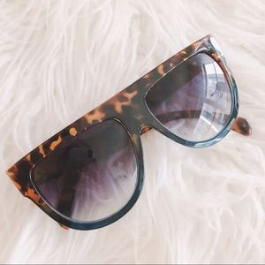 Tortoiseshell Gradiented Sunglasses